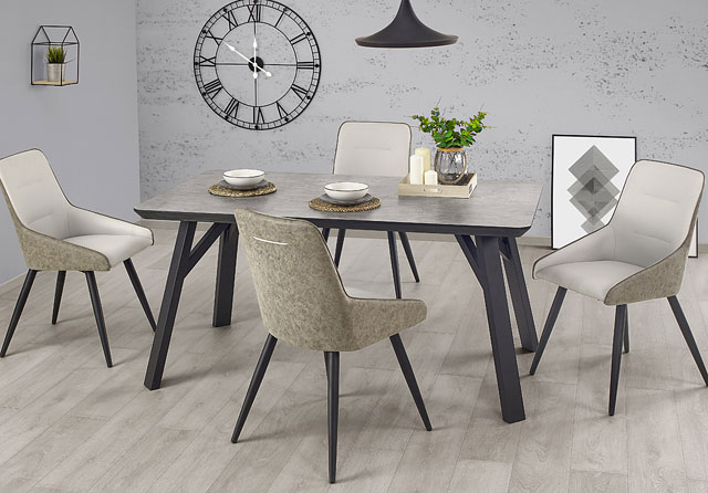 stół w kolorze betonu