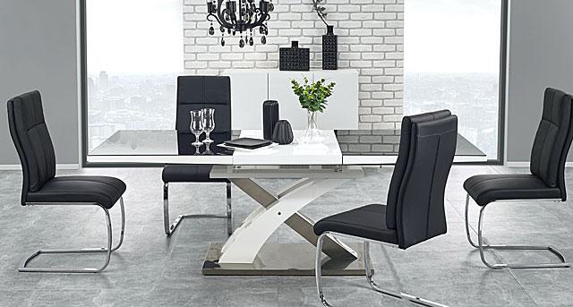 rozłożony stół zander